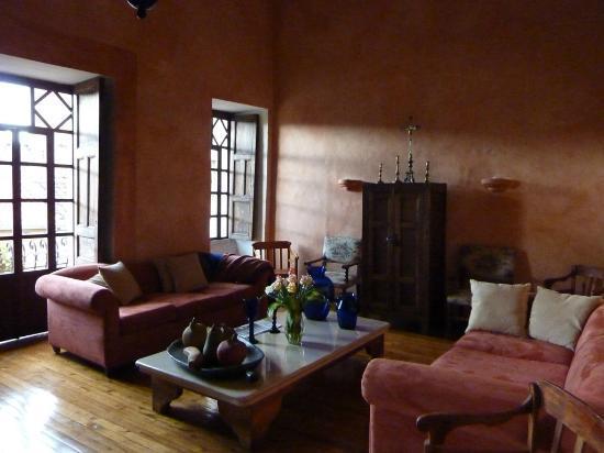 Hotel Casa del Aguila: salón de lectura