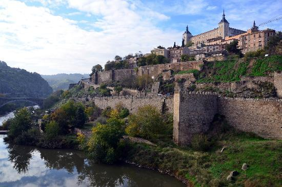 Alcantara Bridge : View of Toledo