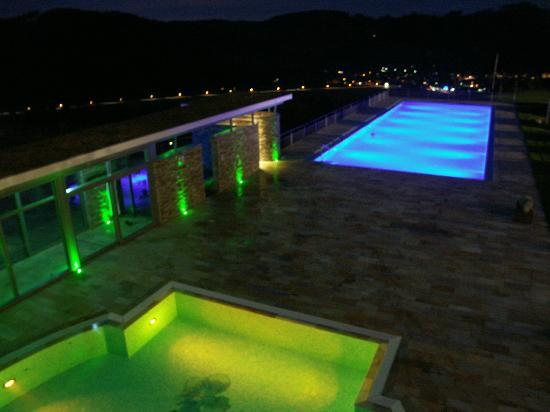 Elztal Hotel : outside pool by night (very romantic)