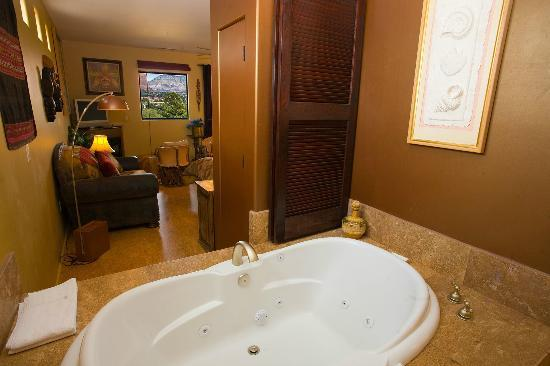 A Sunset Chateau: Bella Vista #21 - 2 Person Jetted Tub
