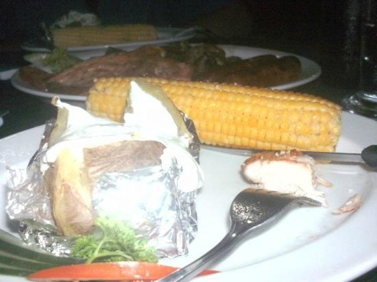 Gran Hotel Nacional: Great baked potato and corn