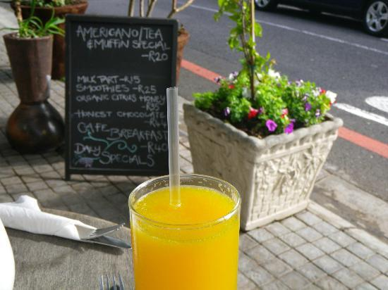 De Waterkant Village: Great Orange Juice