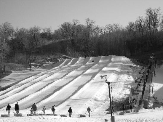 Snow Creek: Snowtubing is so much fun!