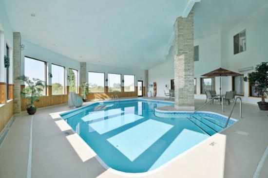 BEST WESTERN PLUS Howe Inn : Indoor Heated Pool