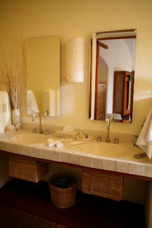 La Quinta Troppo: Bathroom