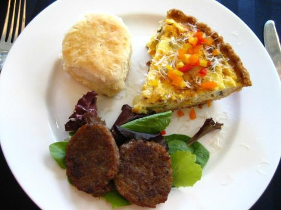 Carolina Bed & Breakfast: Breakfast - quiche