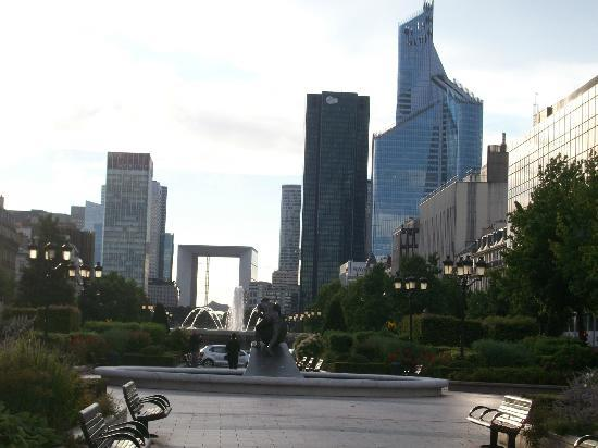 Hotel Charlemagne: View of La Defence from the Gardens outside