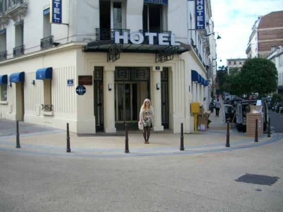 Hotel Charlemagne: The Hotel