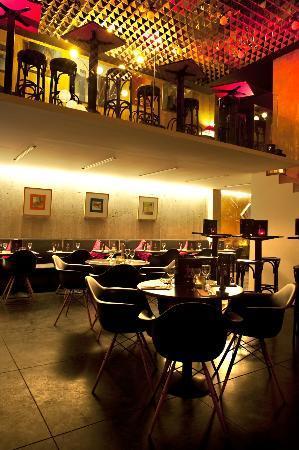 First Avenue Restaurant & Bar