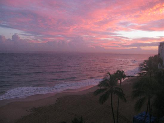 San Juan Marriott Resort & Stellaris Casino: Sunrise from room