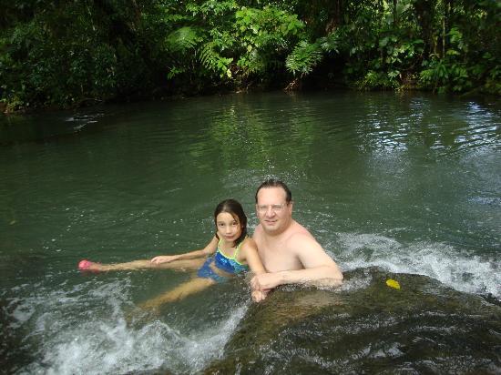 Blue River Resort & Hot Springs : natural thermal river