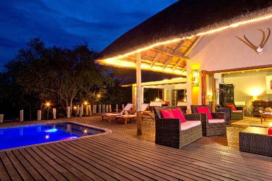Casart Game Lodge: main deck