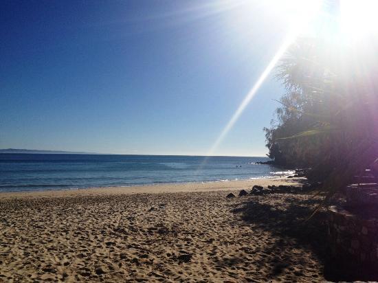 Noosa Main Beach: Stroll before work