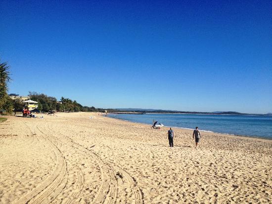 Noosa Main Beach: Calm before Xmas