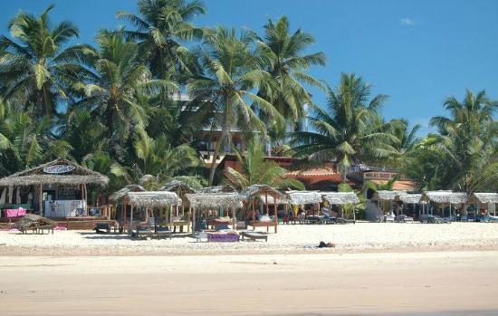Neela's Guesthouse & Beach Restaurant : Neela's sett från stranden