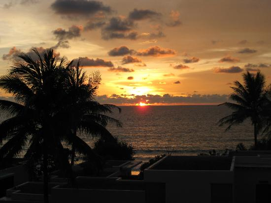 Aleenta Phuket Resort & Spa: the nightly sunset view