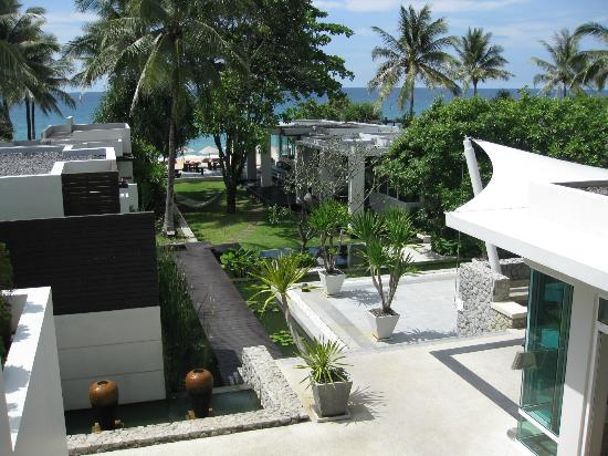 Aleenta Phuket Resort & Spa: a modern resort set right on the beach
