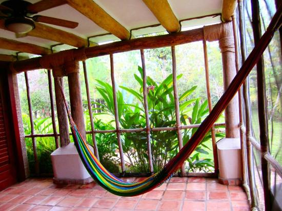 Hidden Valley Inn: Room upgrade with an outdoor hammock :)
