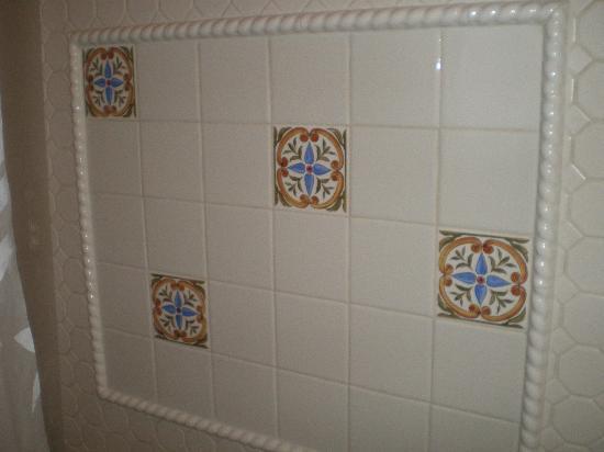 Power's Mansion Inn: Bath design 