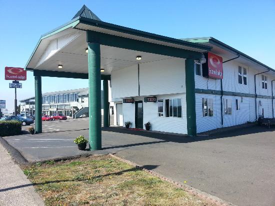 Econo Lodge Newport: North View