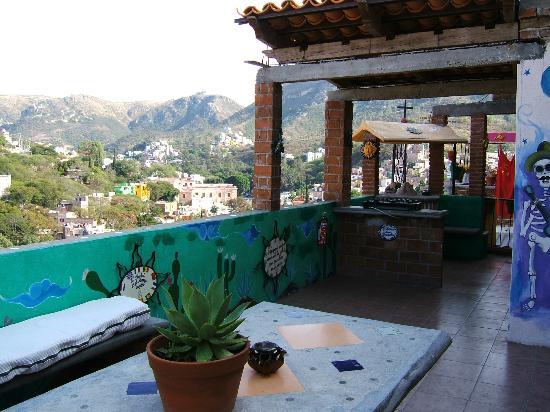 Casa de Dante Hostel: Rooftop terrace