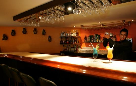Thunderbird Hotels Carrera: Bar Los Descalzos