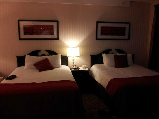 Artmore Hotel: the room