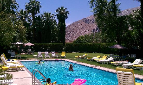 Ingleside Inn: Poolside