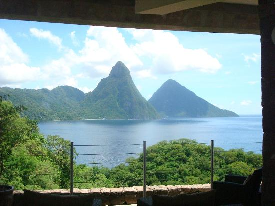 Jade Mountain Resort: view from lobby