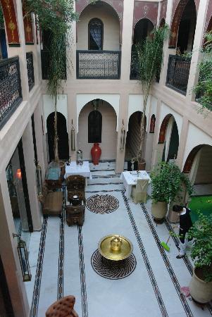 Riad Dar Anika: Het binnenin gedeelte