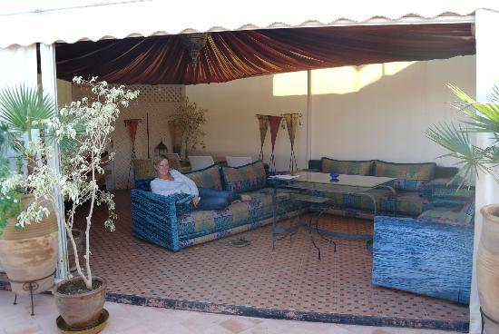 Riad Dar Anika: Chillen op het dakterras