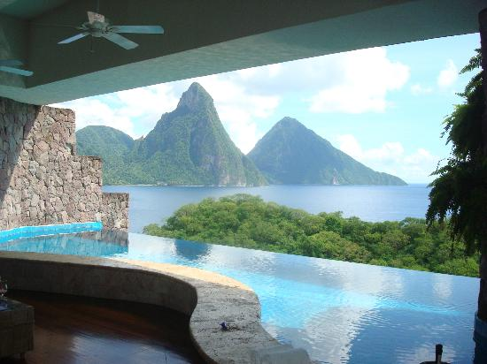 Jade Mountain Resort: view from suite JC2