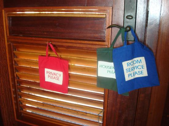 Jade Mountain Resort: room bags