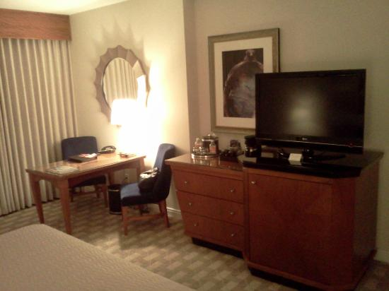 Mohegan Sun : Room/desk