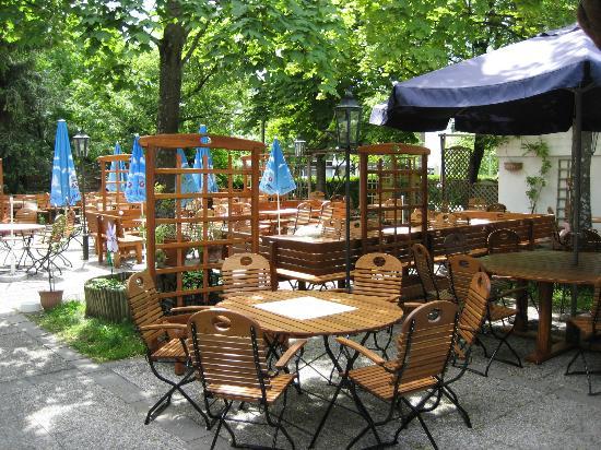 Pschorrhof Lochham: Biergarten