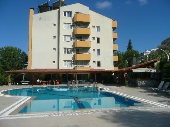 Opus Apart Hotel: hotel over pool