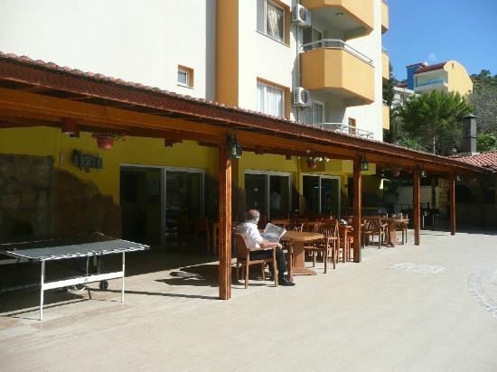 Opus Apart Hotel: dining area