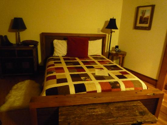 The Lodge on Lake Lure: Soft bed!