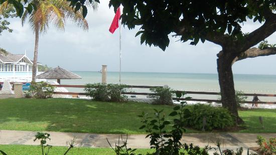 Sandals Halcyon Beach Resort: View from honeymoon beachfront walkout room!