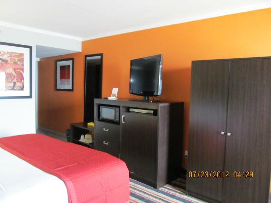 Best Western Plus Sandcastle Beachfront Hotel: Other room pictures-this room was spotless