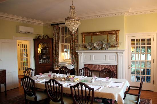 Hornsby House Inn: Dining room (where breakfast is served).