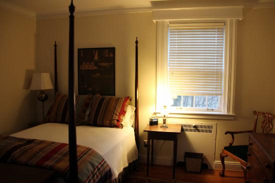 Hornsby House Inn: Chesapeake Suit (2nd room)