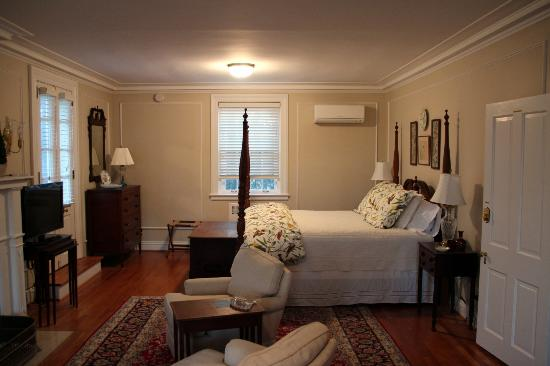 Hornsby House Inn: Another suite
