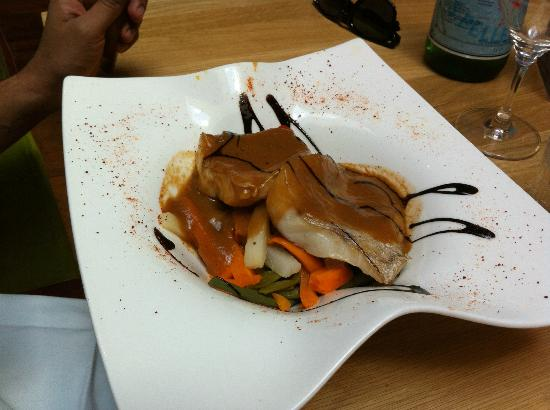 restaurant brasserie le 7 : fish with veggies