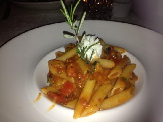 Da Maurizio Dining Room: Vegetarian Penne pasta