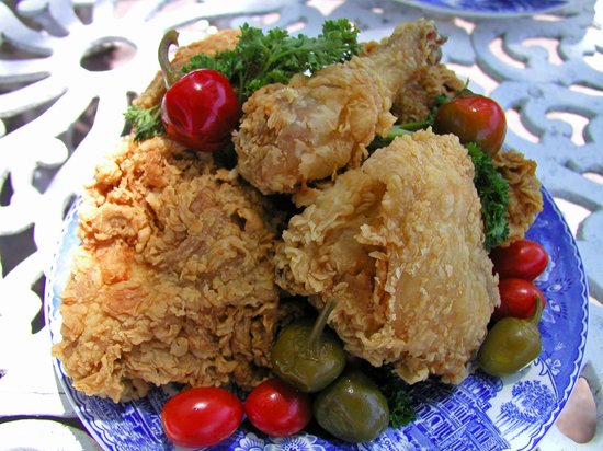 Carriage House Restaurant: Fried Chicken