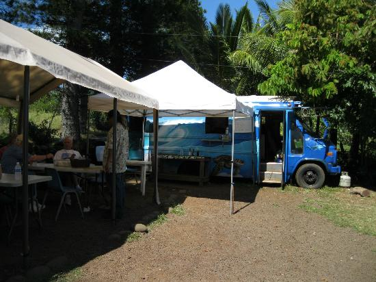 Bradduh Hutt: The seating area and food truck