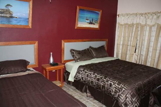 Hotel Villa Du Capitaine Bed And Breakfast La Ceiba Honduras