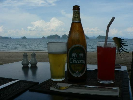 Tup Kaek Sunset Beach Resort: View from bar on the beach