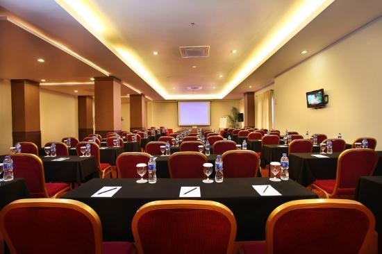 Gino Feruci Kebonjati Bandung: Meeting Room